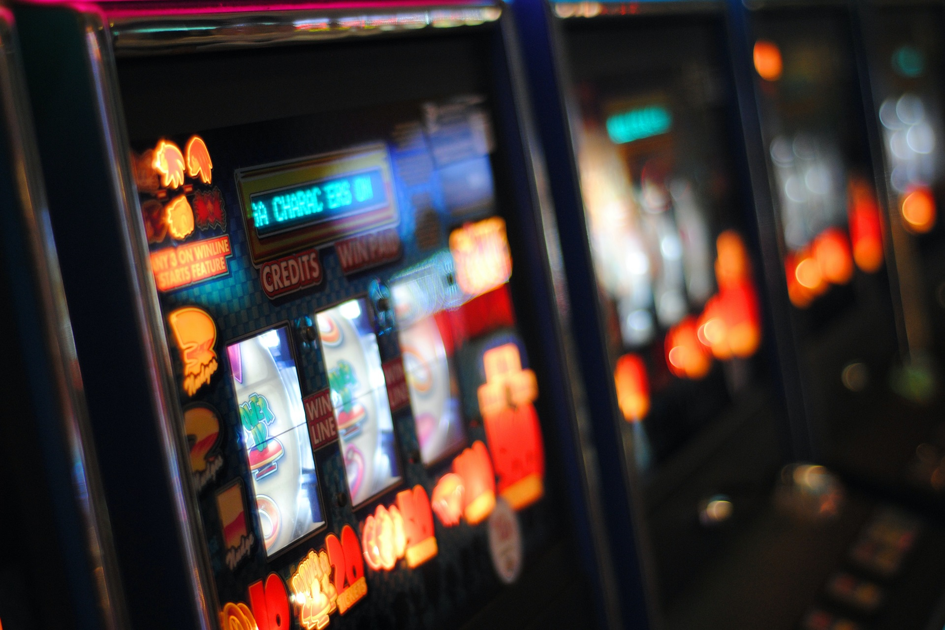 Improve Your Odds To Win At Slots Picking The Right Games!